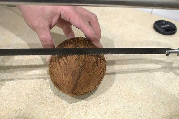 Распиливание кокоса